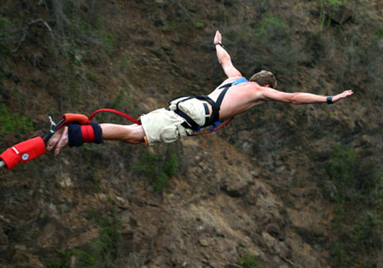 bungy jumping.jpg